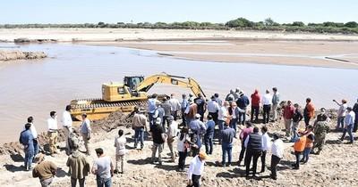 La Nación / Celebran el ingreso de aguas hacia Paraguay