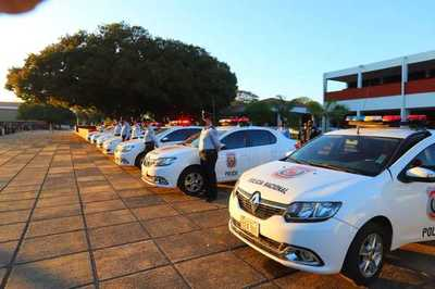 Gobierno habilita obras y entrega vehículos en el Día del Agente de Policía