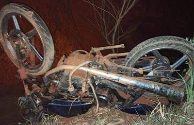 Joven muere tras caer de una motocicleta