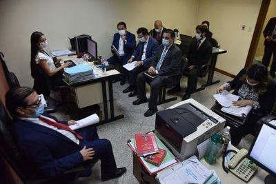Exfiscal general y su esposa apelan elevación de juicio oral de enriquecimiento ilícito y lavado de dinero