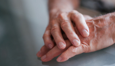 ¡Conmovedor! Hombre descubre que su familiar será su donante de riñón (VIDEO)