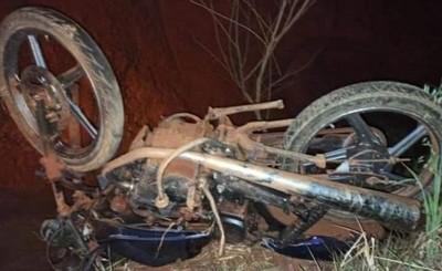 Murió de un golpe en la cabeza tras caer de su motocicleta