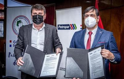 Tras convenio de Petropar con IPS, personal de blanco tendrá descuentos en combustible