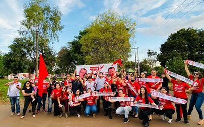Pedro Moreira pide apoyo en gran jornada de pegatina en Remansito – Diario TNPRESS