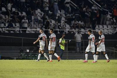 Olimpia: quedó solo en el último puesto del torneo Clausura