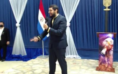 """Crónica / [VÍDEO] Pastor gritón """"profetizó"""" que vecinos que lo denunciaron ¡morirían en 10 días!"""