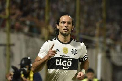 Roque Santa Cruz, a Libertad para jugar la Copa Sudamericana