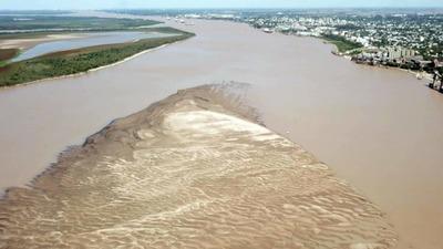El dragado es la respuesta técnica a la bajante de los ríos, afirman