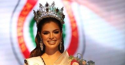 La Nación / Nadia Ferreira fue coronada como la miss Universo Paraguay 2021