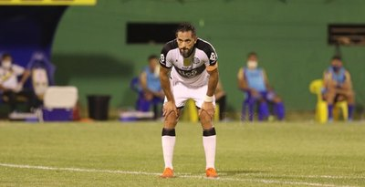Olimpia ratifica a Roque como 'intransferible' y el delantero se queda en el club