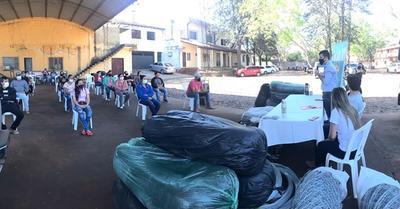 Entregan insumos para iniciar la instalación de huertas familiares en Caazapá