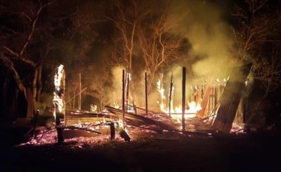 Incendian vivienda y amenazan con no dejar en paz al propietario