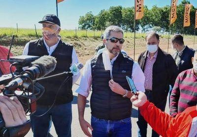 """Mario Abdo dice que ya tiene más asfaltados que """"el General"""""""