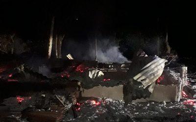 Desconocidos prendieron fuego a una vivienda en Minga Guazú