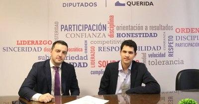 """La Nación / Candidato a concejal de Asunción presenta proyecto """"plan de los 6 dedos"""""""