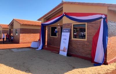 Familias de Misiones recibieron nuevas viviendas del Gobierno
