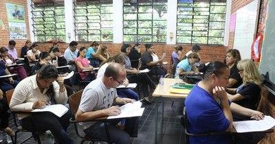 La Nación / Aplazo generalizado: el 85% de los educadores no pasó los exámenes para directores