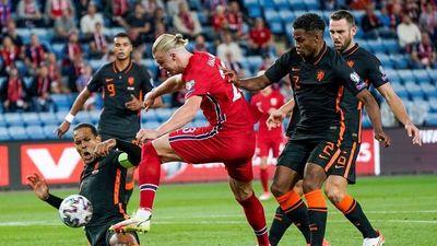 """Haaland enfría el regreso de Van Gaal a la """"Oranje"""""""