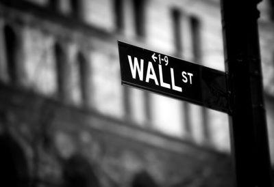 """Empresas """"Megacap"""" repuntan ante inclinación de los inversores hacia títulos más seguros en EE.UU."""