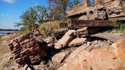Bajante del Paraná deja ver restos de un puerto olvidado del siglo XIX