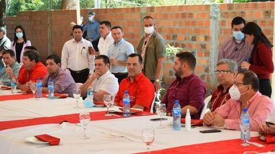 Cartes fustiga contra las alianzas en acto con Friedmann y Velázquez
