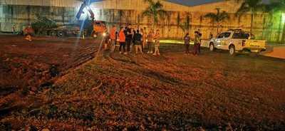 Vecinos del km 8,5 Acaray buscan impedir que empresa construya tinglado en plaza