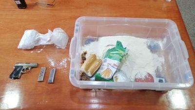 Hallan presunta dinamita en gel y un arma de fuego en cárcel de Itapúa