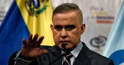 La Nación / Fiscal de Venezuela pide captura de periodista por tuit obsceno contra esposa de Messi