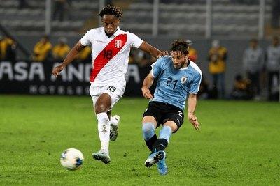 Sin Suárez ni Cavani, Uruguay visita a un necesitado Perú
