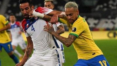 Chile y Brasil, golpeados por el poder del fútbol inglés, se miden en Santiago