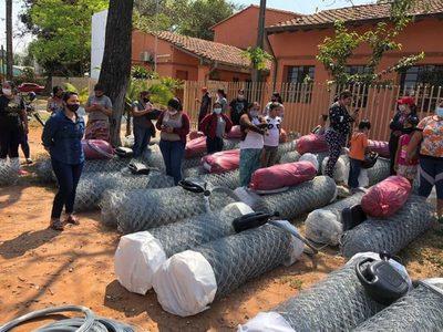 Más de 100 familias de Tekoporã reciben insumos para el desarrollo de huertas