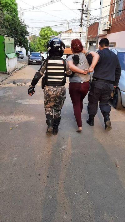 Pareja de asaltabuses fue detenida en zona de la Terminal de Asunción
