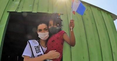La Nación / Nadia Ferreira acompañó trabajos de las mujeres del asentamiento Nueva Asunción