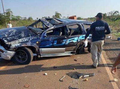 Dos menores murieron tras vuelco de vehículo en Capitán Bado