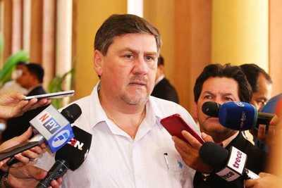 Blas Llano afirma que Efraín Alegre parece una criatura que perdió el horizonte del partido