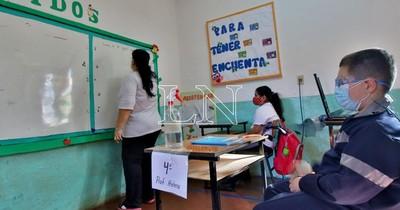 La Nación / Pediatras exigen que docentes no vacunados no tengan contacto con niños