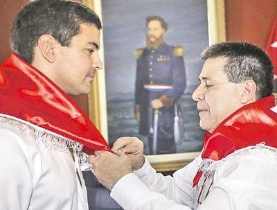 HC presenta como irrevocable la precandidatura de Peña