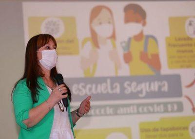 Este lunes podrán vacunarse los docentes que aún no fueron inmunizados