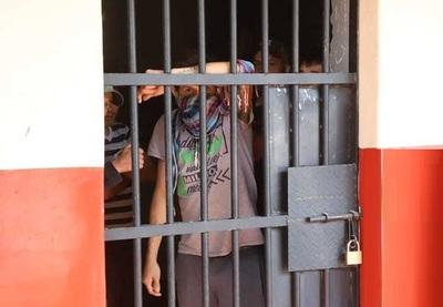 Ministerio de Justicia acorta tiempo de cuarentena de detenidos en comisarías