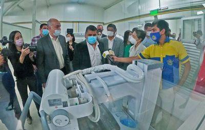 Inauguran moderno pabellón de contingencia en el Hospital de Luque •