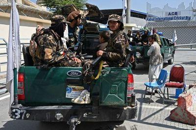 Los talibanes afianzan su control del país y presentan su nuevo gobierno