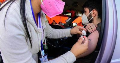 Vacunan a pendientes de segundas dosis con AstraZeneca, Moderna, Pfizer y Sputnik V