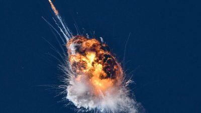 Impresionante explosión de un cohete tras lanzamiento de prueba (video)