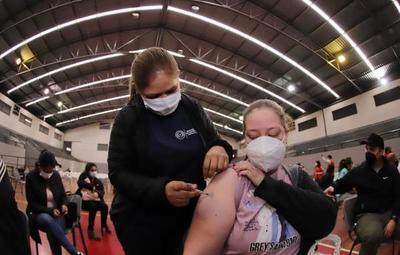 Covid-19: pendientes de vacunación con segundas dosis finalizarán esquema hoy