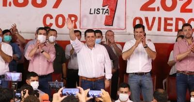 La Nación / Horacio Cartes marca presencia en Oviedo apostando por la lista 1