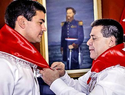 Afara cuestiona el pasado liberal de Santiago Peña