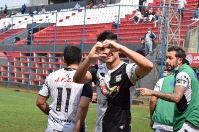 Tacuary vence a Fernando de la Mora y trepa hasta el segundo lugar