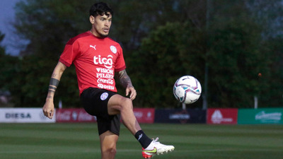 Gustavo Gómez vuelve al once titular de la Albirroja
