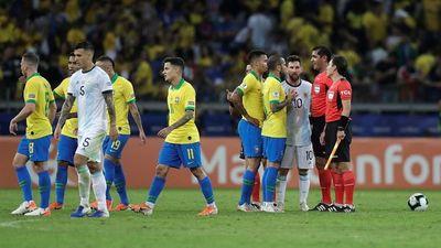 En Brasil piden la deportación de 4 futbolistas de Argentina