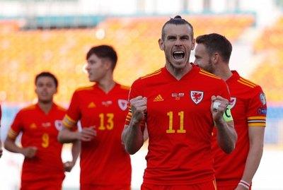 Bale permite a Gales ganar a Bielorrusia y seguir soñando con Catar 2022